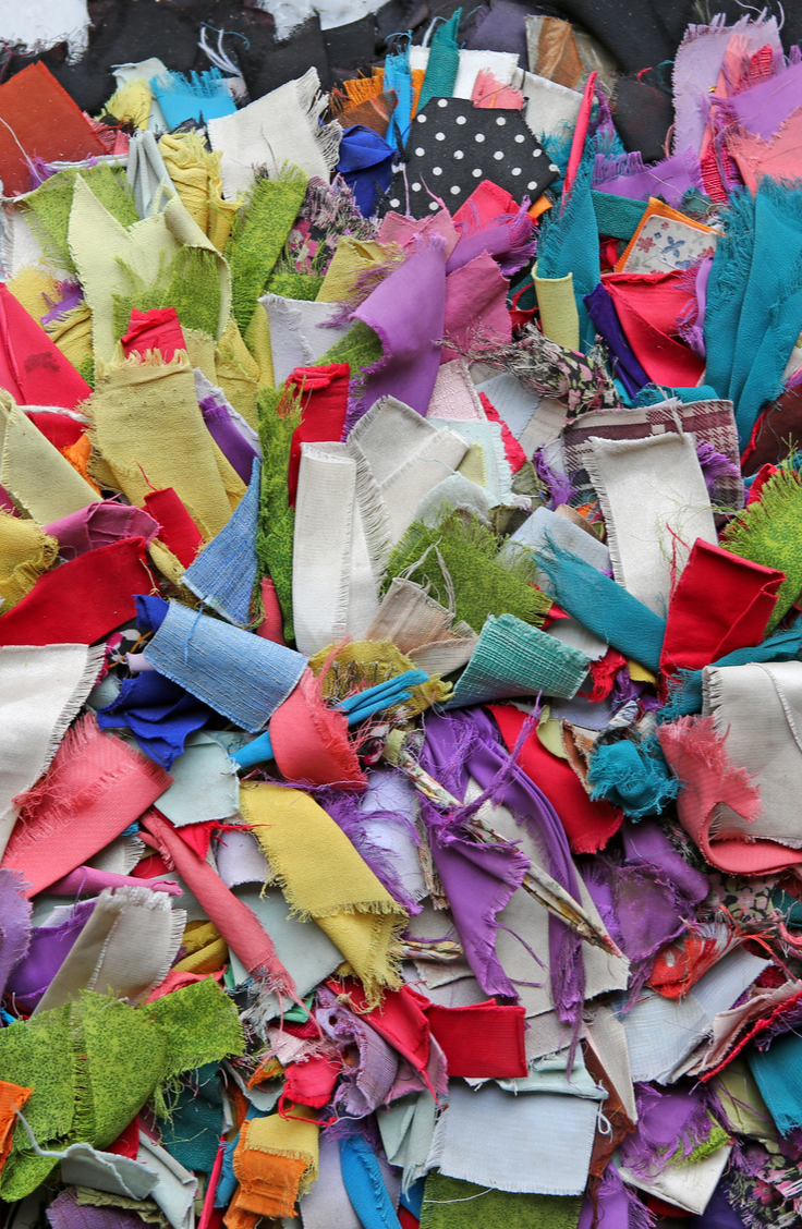 Everyone has a few old t-shirts they're dying to get rid of, but with these fun upcycled t-shirts, you won't even have to! See how you can make a rag rug with old t-shirts.
