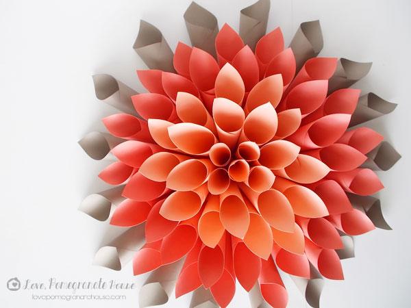 Объёмные цветы из бумаги на стену