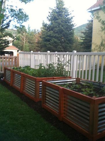 Raised garden beds, how to build raised garden beds, gardening, gardening hacks, outdoor living, DIY raised garden beds, Easy DIY Raised Garden Bed