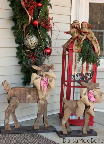 18-easy-ways-to-decorate-your-porch-for-christmas13