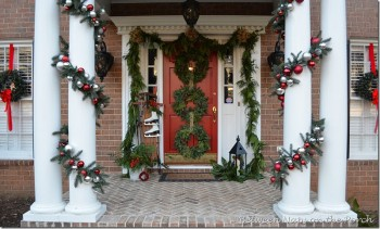 18-easy-ways-to-decorate-your-porch-for-christmas5