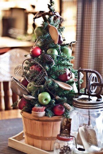 13-vintage-farm-christmas-tree