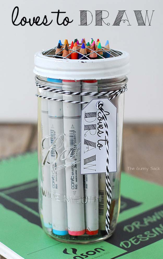 loves-to-draw-gift-in-a-jar
