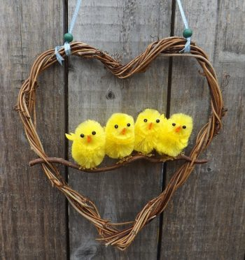 easter-chicks-wreath