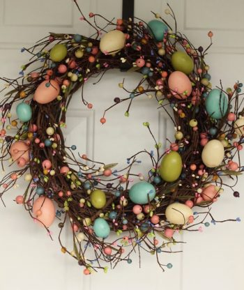 pastel-easter-egg-wreath