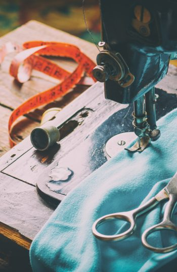 Starting a new hobby like sewing can be intimidating if you don't know a few tricks. With these sewing hacks, sewing will be so much easier and therefore more enjoyable. You will learn how to properly gather the fabric and so much more.