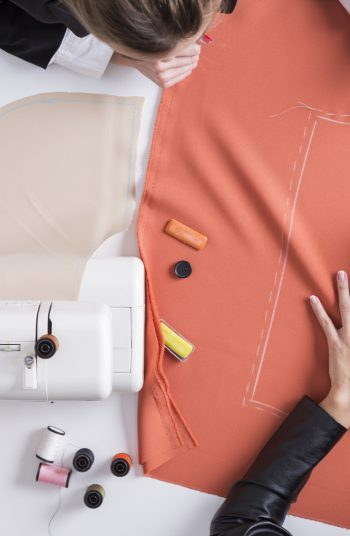 Starting a new hobby like sewing can be intimidating if you don't know a few tricks. With these sewing hacks, sewing will be so much easier and therefore more enjoyable. Trust me, these hacks are a game changer!