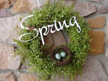 spring-peppergrass-wreath