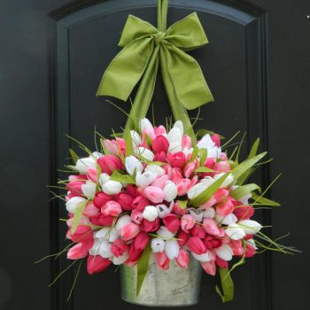 tulips-planter-spring-wreath