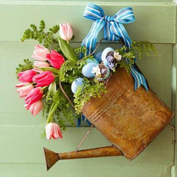 watering-can-wreath