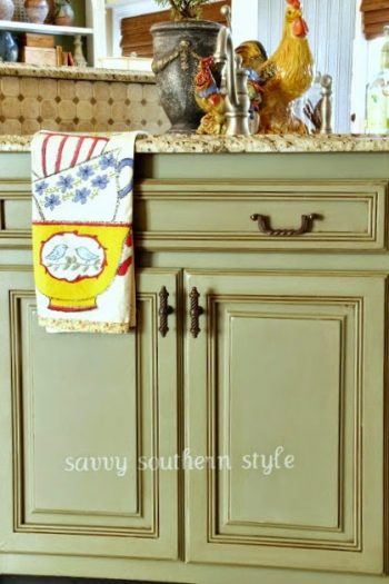 12 Speedy Chalk Paint Crafts-Chalk Paint, Annie Sloan Chalk Paint, Annie Sloan Chalk Paint Crafts, Chalk Paint Crafts, Easy Chalk Paint Crafts, Annie Sloan Chalk Paint Tips, DIY Furniture Remodel, How to Remodel Your Furniture,