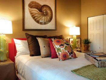 Update Your Guest Bedroom! FAST!4