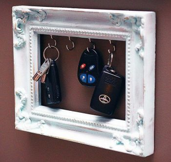 12 DIY Key Racks for Your Home - DIY Key Racks, Key Racks, DIY Home Projects, Projects for the Home, Home Organization, Make Your Own Key Racks, Key Racks, Key Racks for Your Home