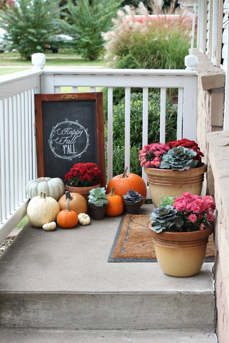 great ways to decorate your porch for fall my list of lists. Black Bedroom Furniture Sets. Home Design Ideas