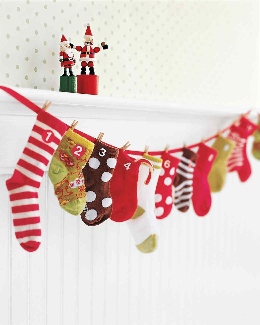 10 Martha Stewart Approved DIY Christmas Stockings| DIY Stockings, Christmas Stockings, Holiday Stockings, Martha Stewart, Martha Stewart Stockings, Martha Stewart Christmas Decor, Holiday Home Decor, Popular Pin #Holiday #ChristmasDecor #DIYHoliday