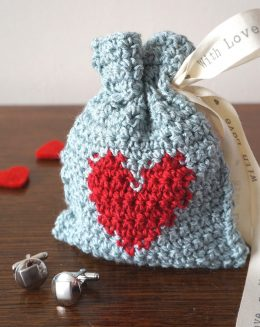 Adorable Crochet Crafts for Valentines Day| Valentines Day, Valentines Day Crafts, Crochet Crafts, DIY Crafts, Holiday Crafts, Holiday Craft Ideas, Holiday Fun,Quick Crochet Crafts. #CrochetCrafts #ValentinesDayCrafts #DIY