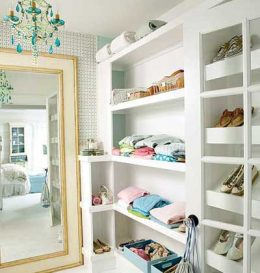 10+ Closets That Will Put Carrie Bradshaw to Serious Shame| DIY Closet, Closet Organization, Easy Closet Organization, Gorgeous DIY Closets, DIY Closets, Closet Remodel, Closet Remodel Ideas, Popular Pin #DIYCloset #ClosetRemodel #ClosetOrganization