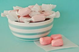 How to Make Homemade Bubble Gum| Homemade Bubble Gum, Bubble Gum Recipe, Bubble Gum Recipe Homemade, Candy Recipes, Easy Candy Recipes, Candy Recipes Easy #HomemadeBubbleGum #BubbleGumRecipe #CandyRecipesEasy