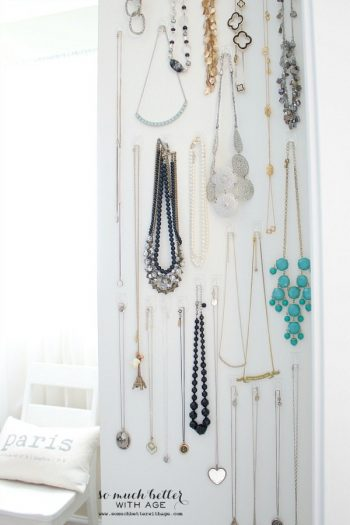 12 Things to Organize With Command Hooks| DIY Ideas, Organization, Organization Ideas for the Home, Organization DIY, Command Hooks Ideas, Command Hooks Hacks, Command Hooks