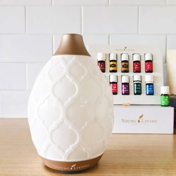 Essential Oil | Essential Oil Diffuser | The Best Essential Oil Diffuser | Tips and Tricks for Essential Oils | Essential Oil Uses