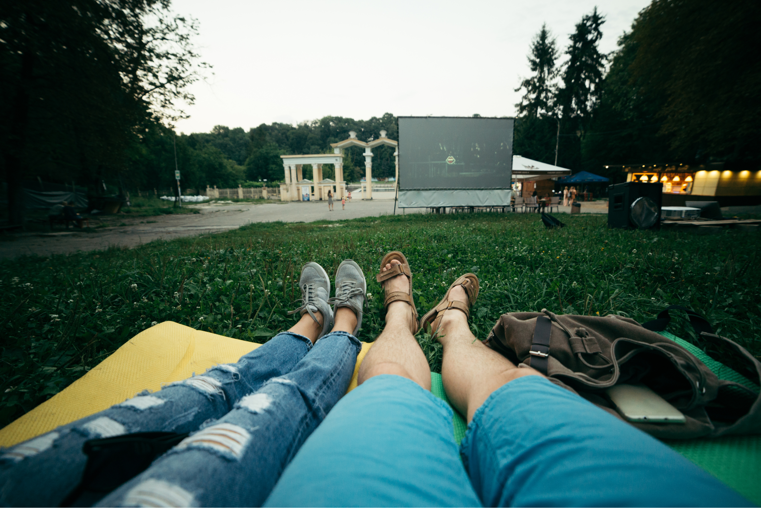 Movies To Watch Outside | best movies to watch outside | summer | summer activities | activities | movies | best movies to watch | movies to watch