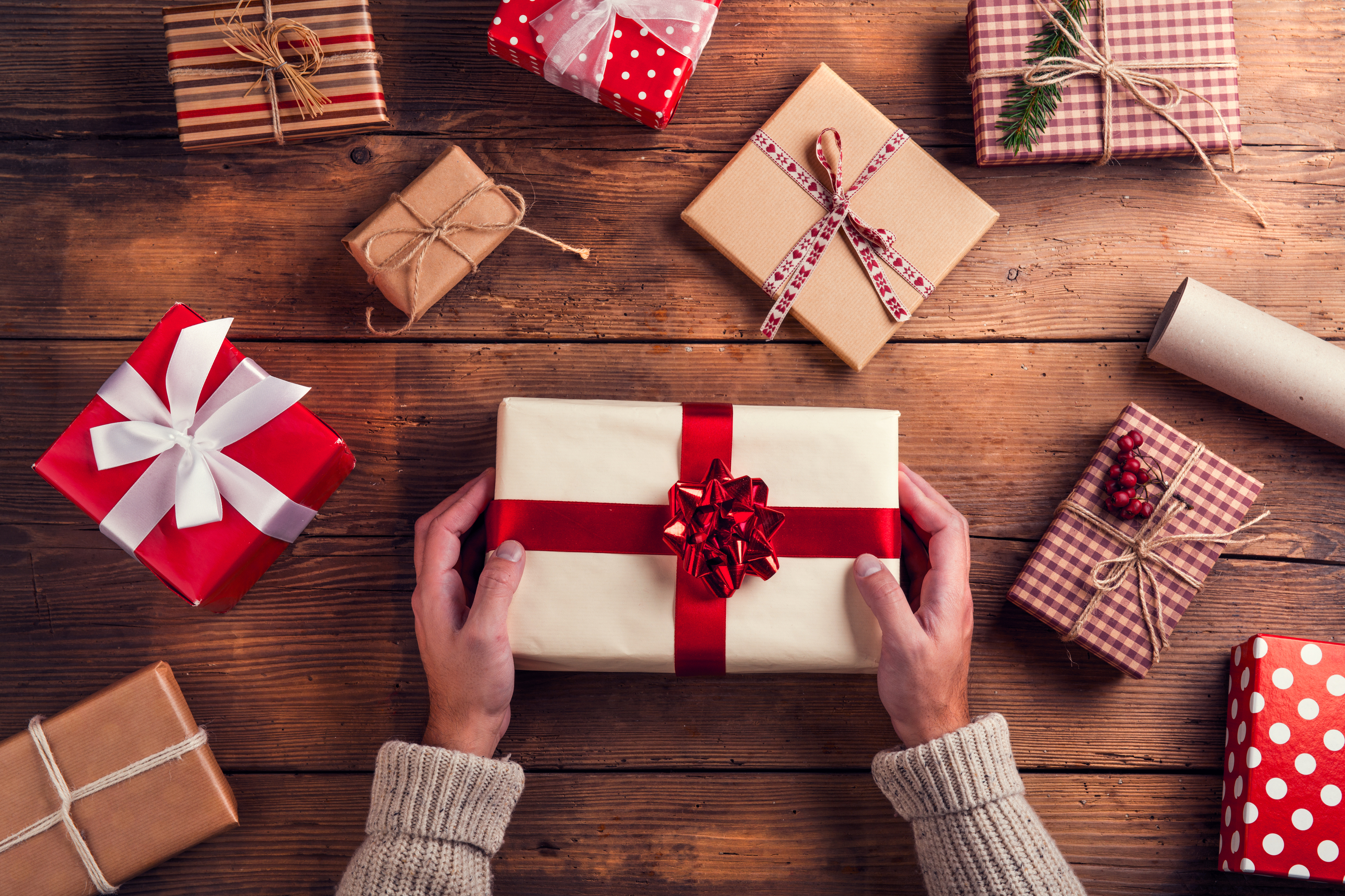 holiday gift giving guide | gift giving | gifts | gift guide | holidays | gift giving guide | perfect gifts