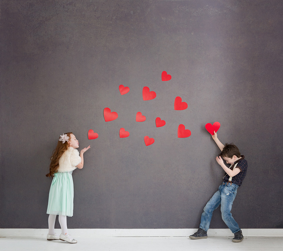 If you're looking for something cute to do on Valentine's Day this year, why not have a Valentine's photoshoot? Your kids will have so much fun with it.
