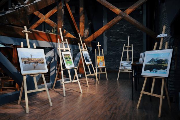 Five assorted paintings on scrap 'n easels - Scrap 'N Easel