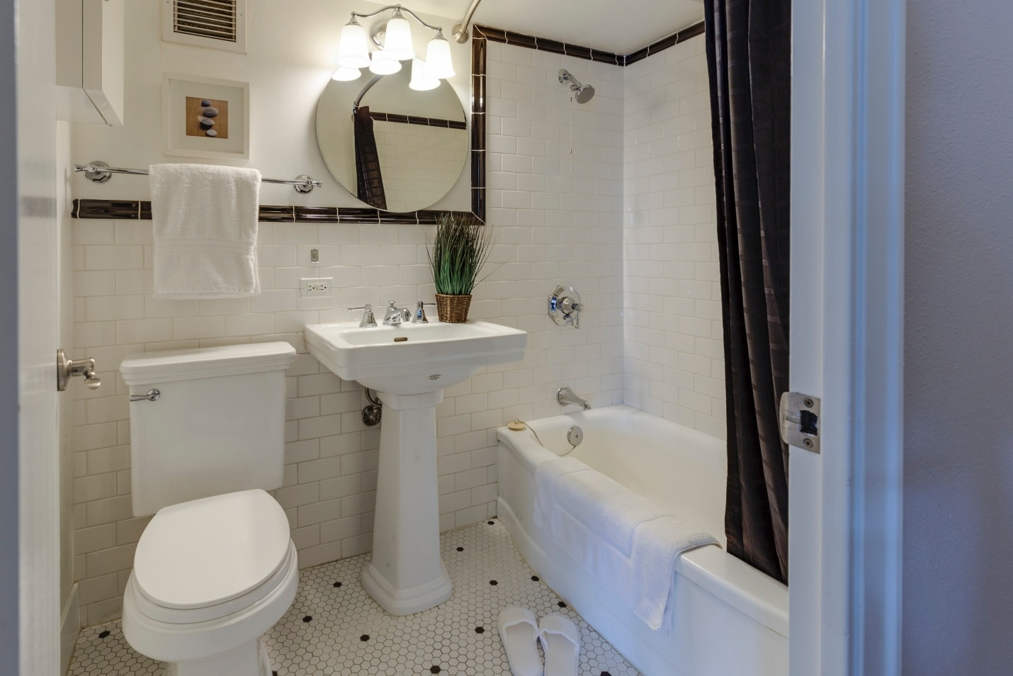 Choosing the best paint color for a small bathroom with no windows
